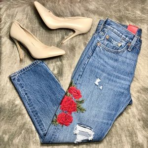 Anthropologie Levi's Embroidery Floral Tapered 25